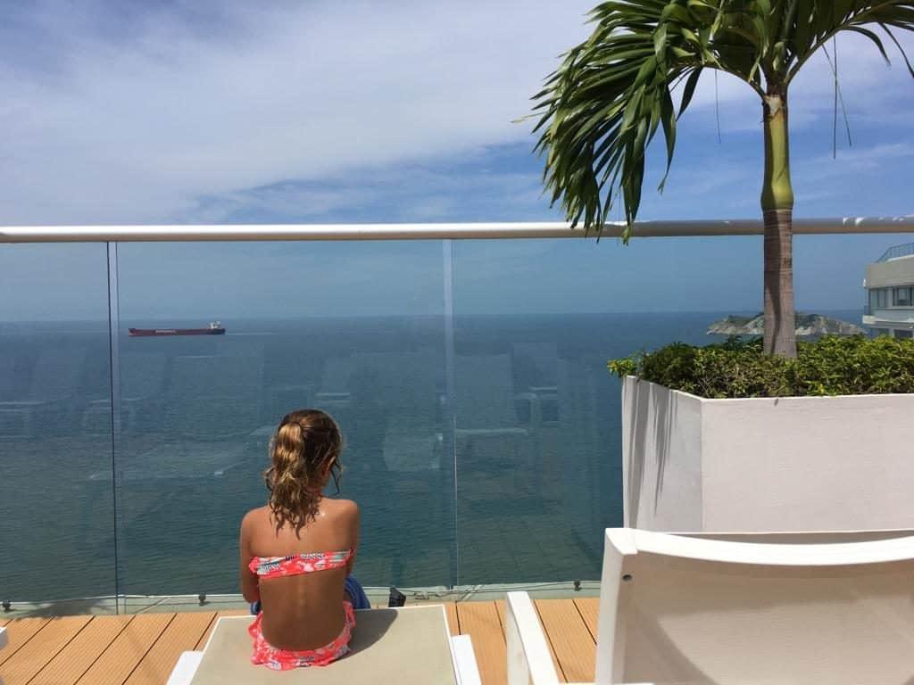 Vistas desde la piscina de nuestro hotel  en Santa Marta.