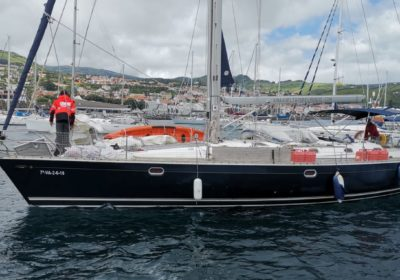 Saramia llegando a la marina de Horta